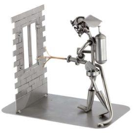 Figura de decoración en metal diseño de bombero